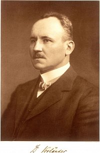 Daniel Vorl�nder was the first chemist to systematically synthesize liquid crystals. (Image: university archives)